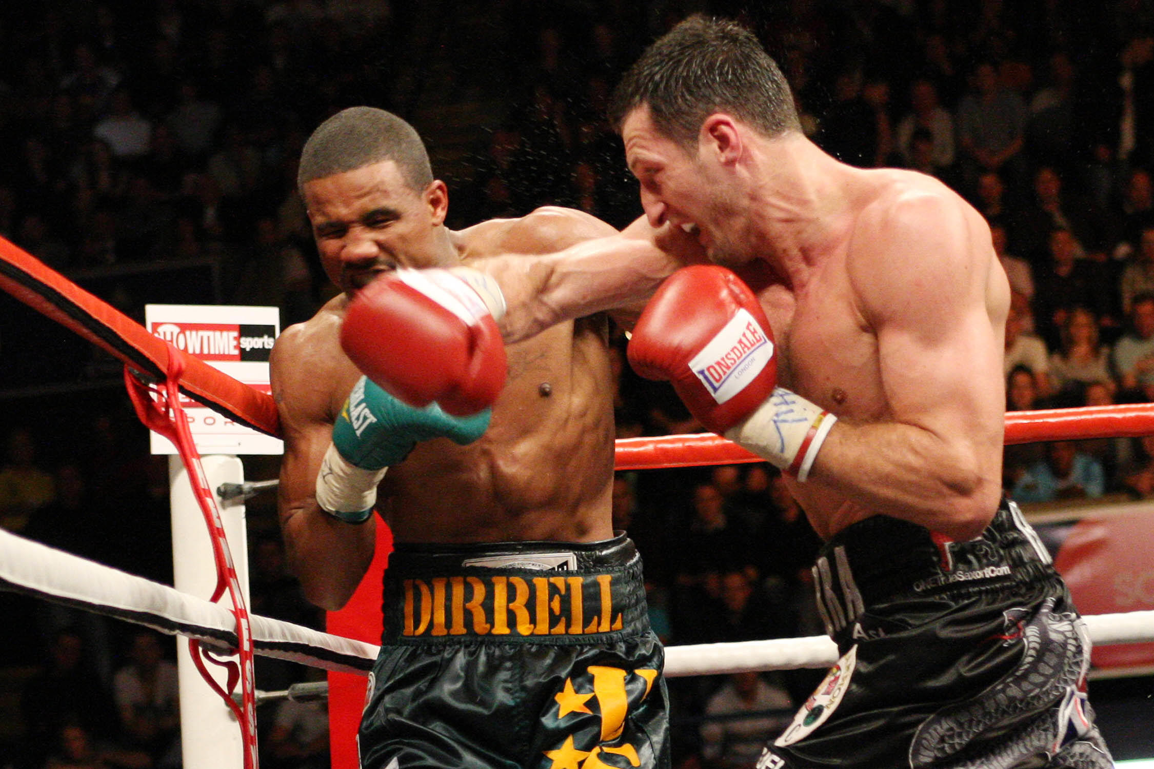 Andre Dirrell and Carl Froch trade punches