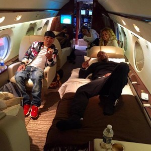 Gervonta on private jet with Floyd.jpg3